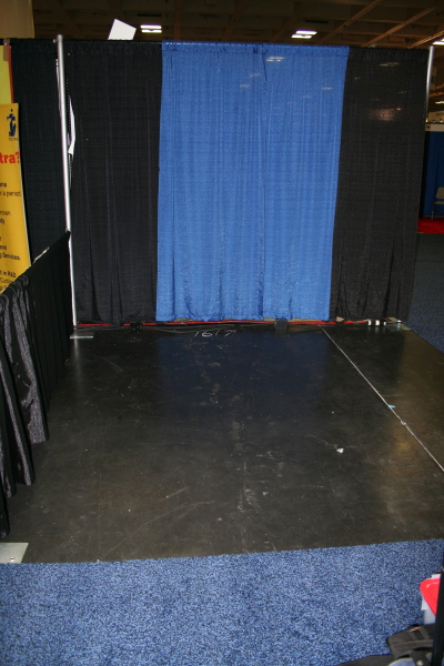 Empty Booth - Ready to be Haiku-ified !